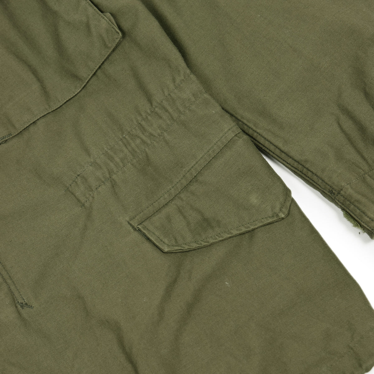 Vintage 80s M-65 Man's Field Cotton Sateen 0G-107 Green US Army Coat M lower pocket
