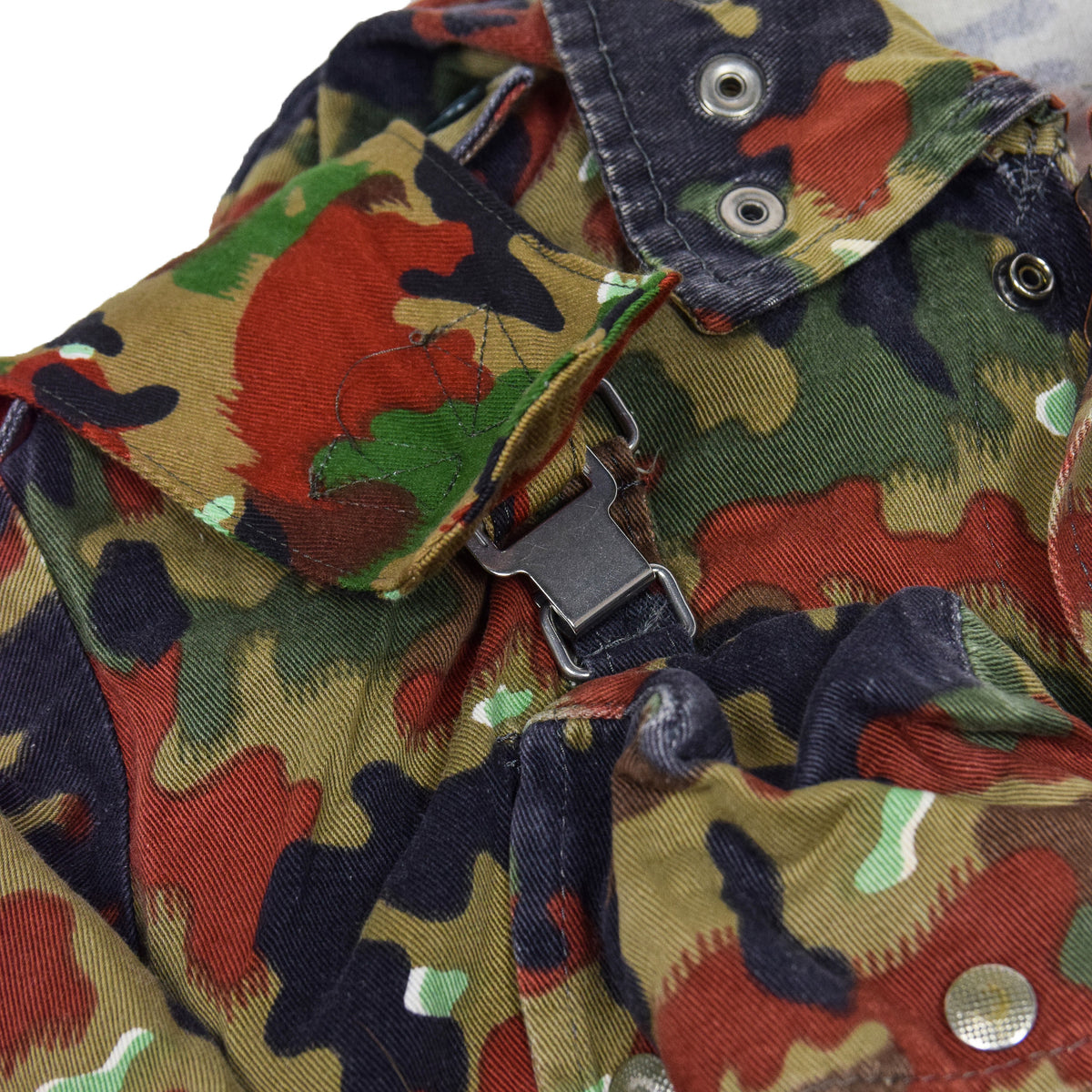 Vintage 70s Swiss Army Alpenflage Camo Sniper Combat Field Jacket M / L fastening