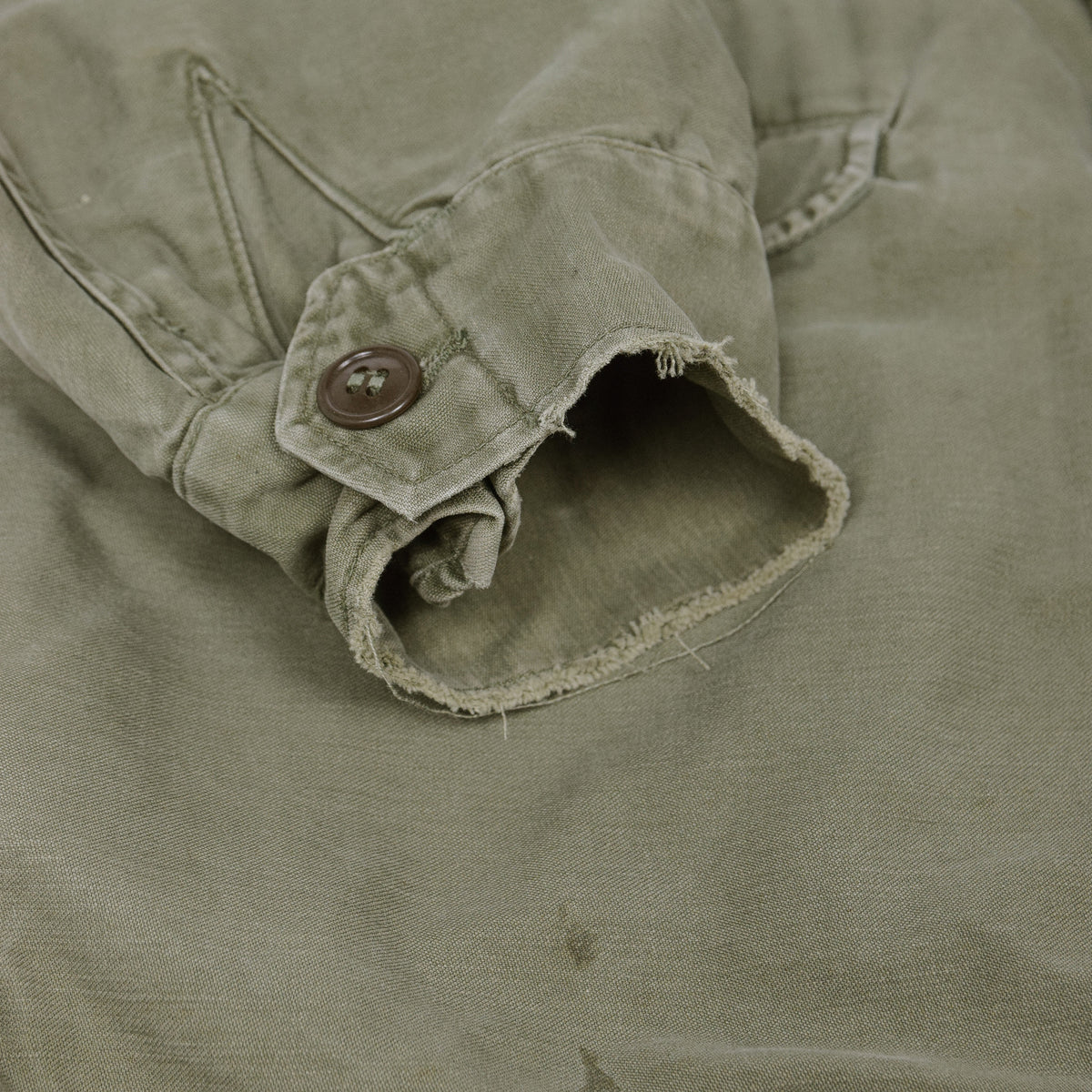 Vintage 50s M-1951 Korean War US Army Field Jacket Olive Green M cuffs