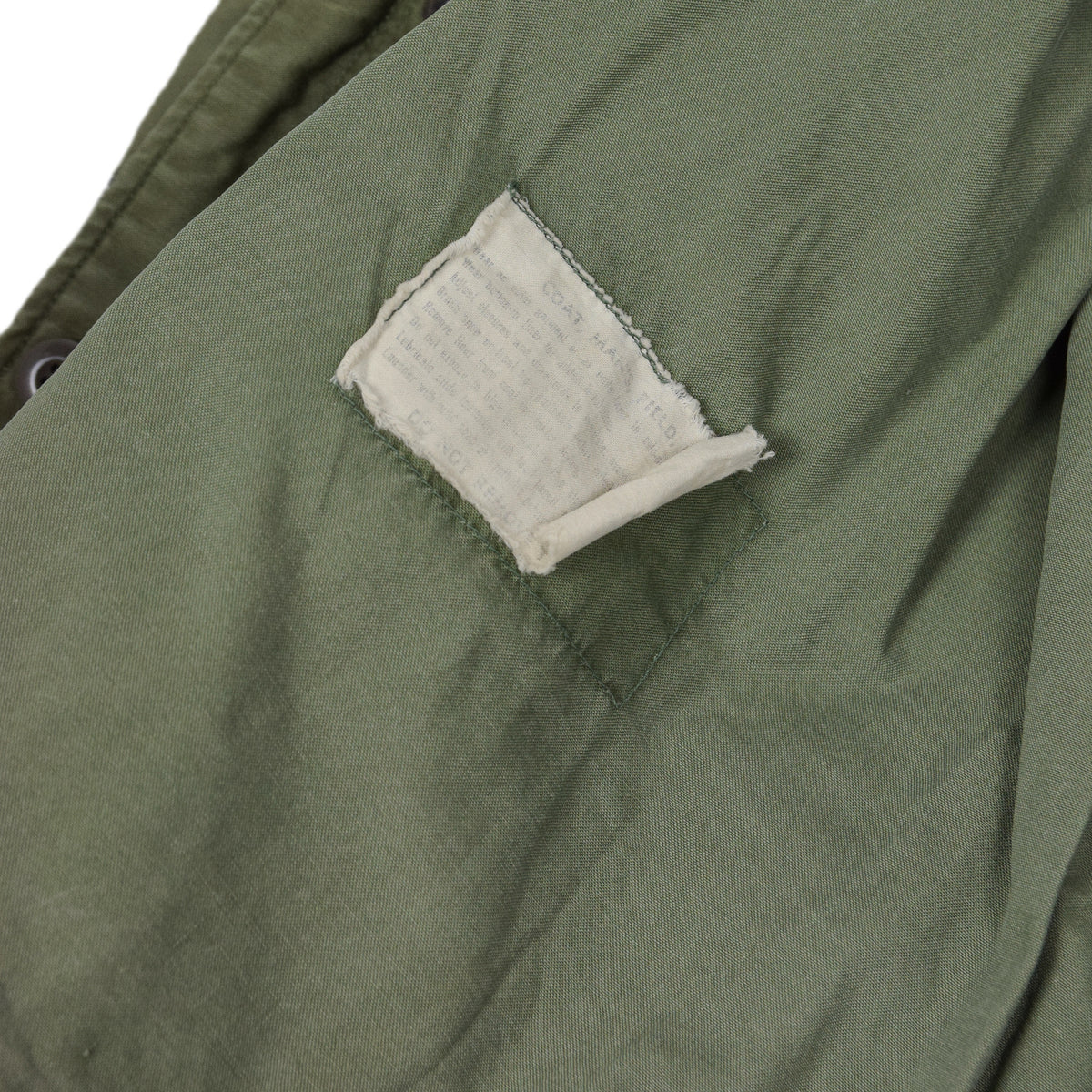 Vintage 60s Vietnam M-65 Field Cotton Sateen 0G-107 Green US Army Coat M Reg hem label