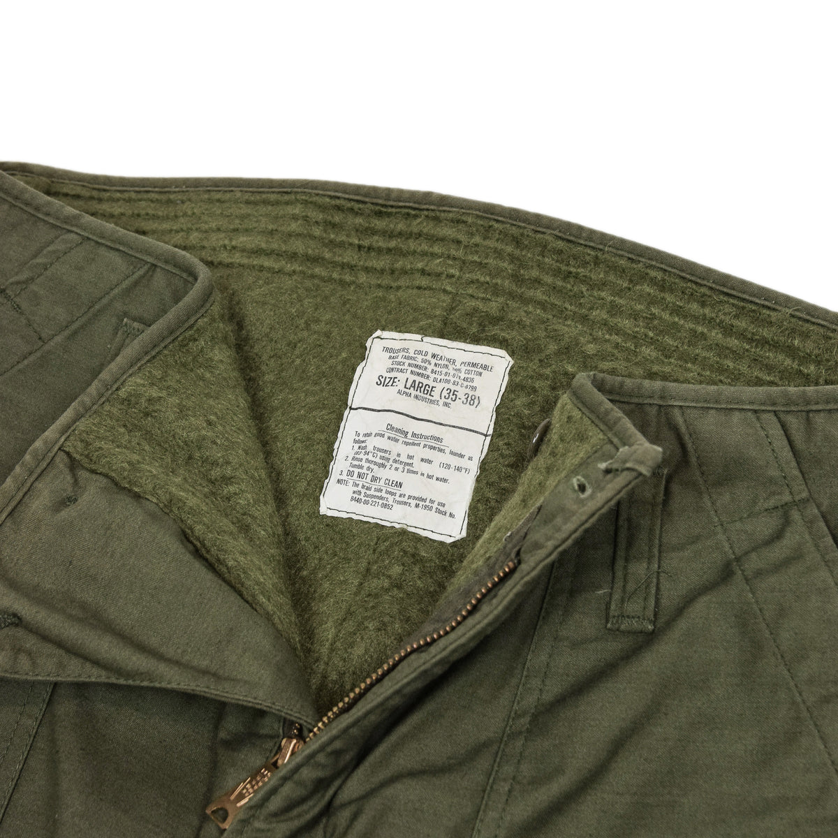 Vintage Alpha Industries 80s US Army Cold Weather Permeable Military Trousers L internal label