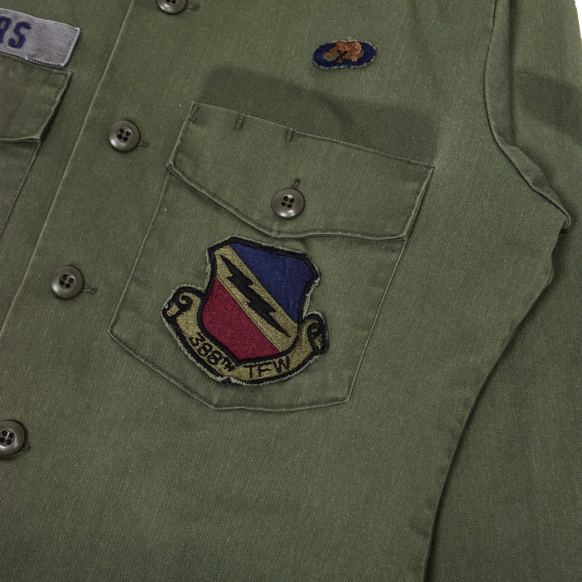 Vintage 80s US Air Force Dura Press Utility Military Shirt OG-507 Olive Green S / M badges two