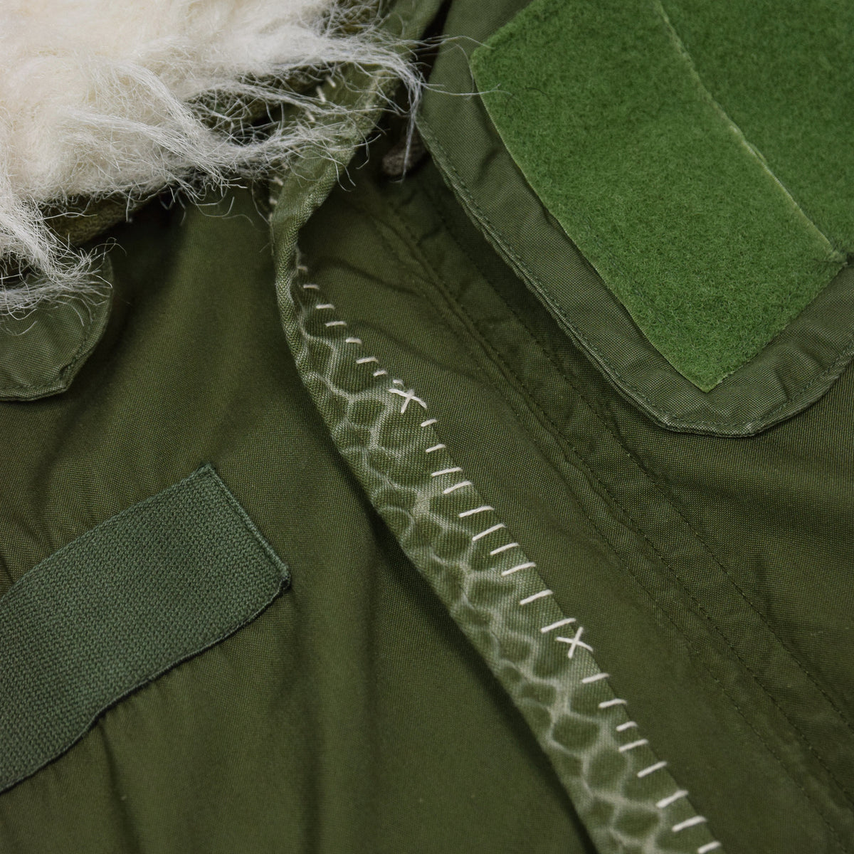 Vintage 70s US Military Darned Fine Reworked M-65 Fishtail Parka Small Oversized stitch detail