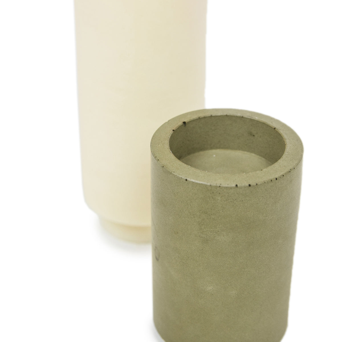 Concrete & Wax Tobacco And Oak Candle And Olive Concrete Holder Slim DETAIL