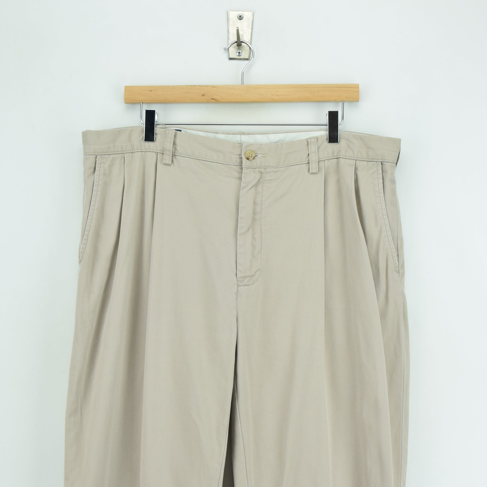 Ralph Lauren Polo Prospect Pant Chinos Stone Pleated Front Trousers 36 W 34 L front waist