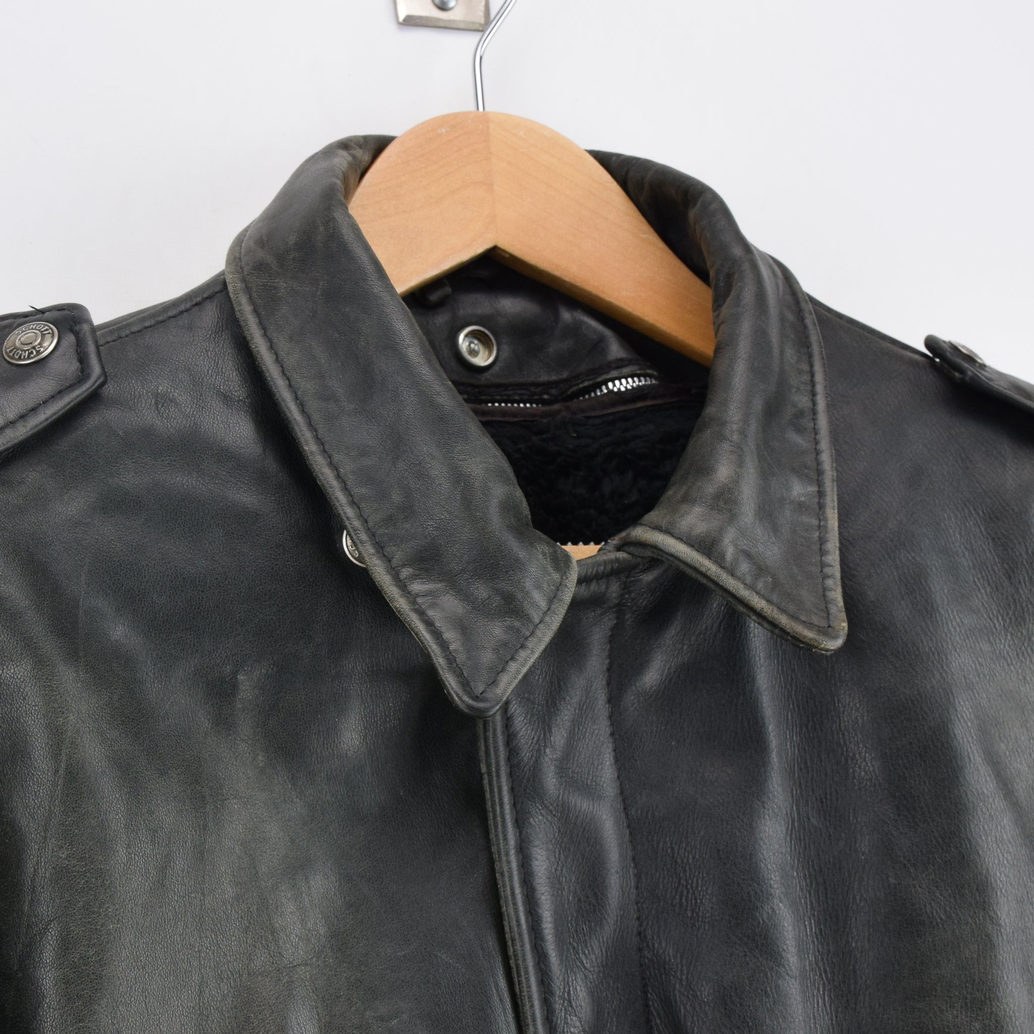 Vintage Schott A-2 Black Distressed Leather Flight Bomber Jacket Made in USA L collar