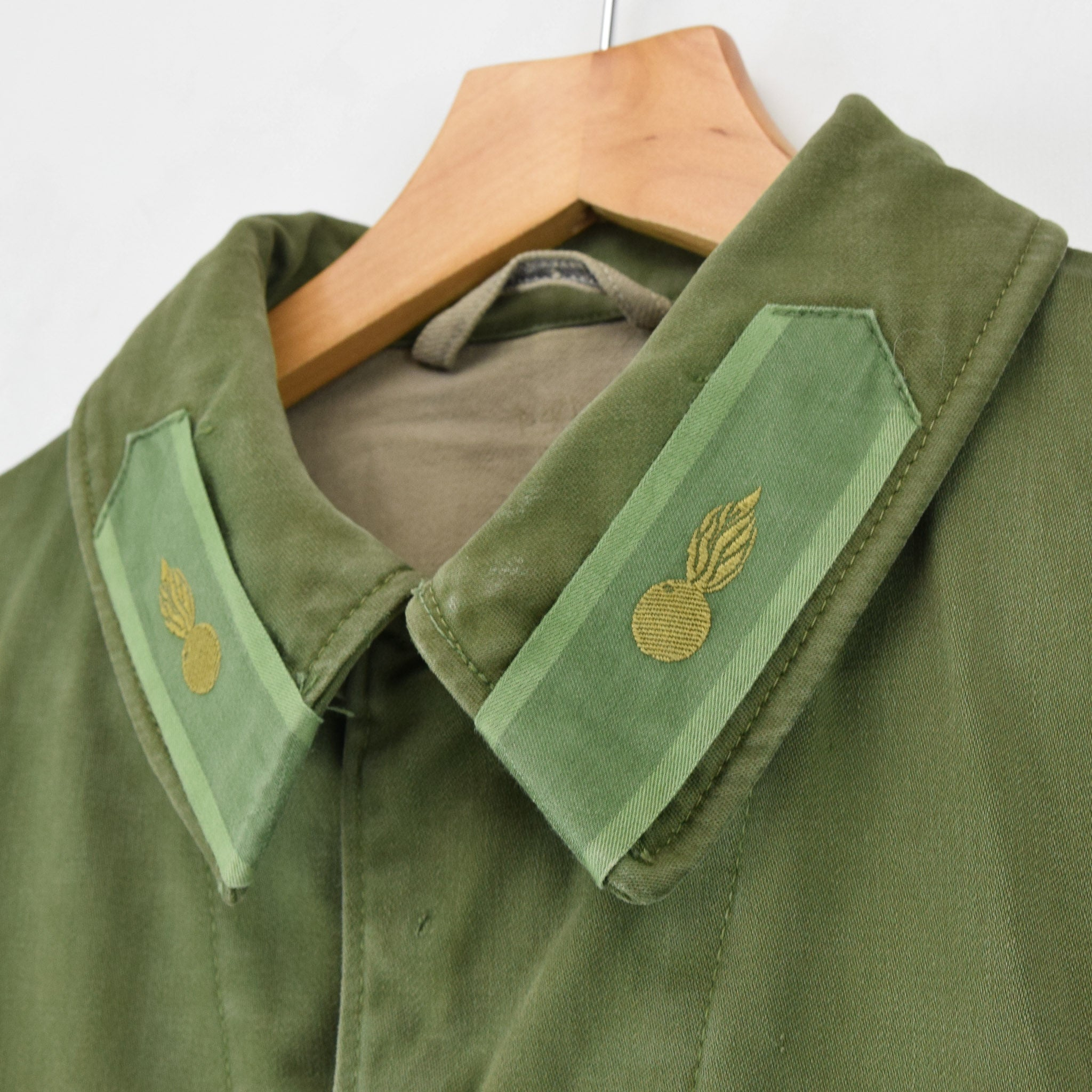 Vintage Well Worn Swedish M59 Field Military Green Worker Style Jacket M / L collar