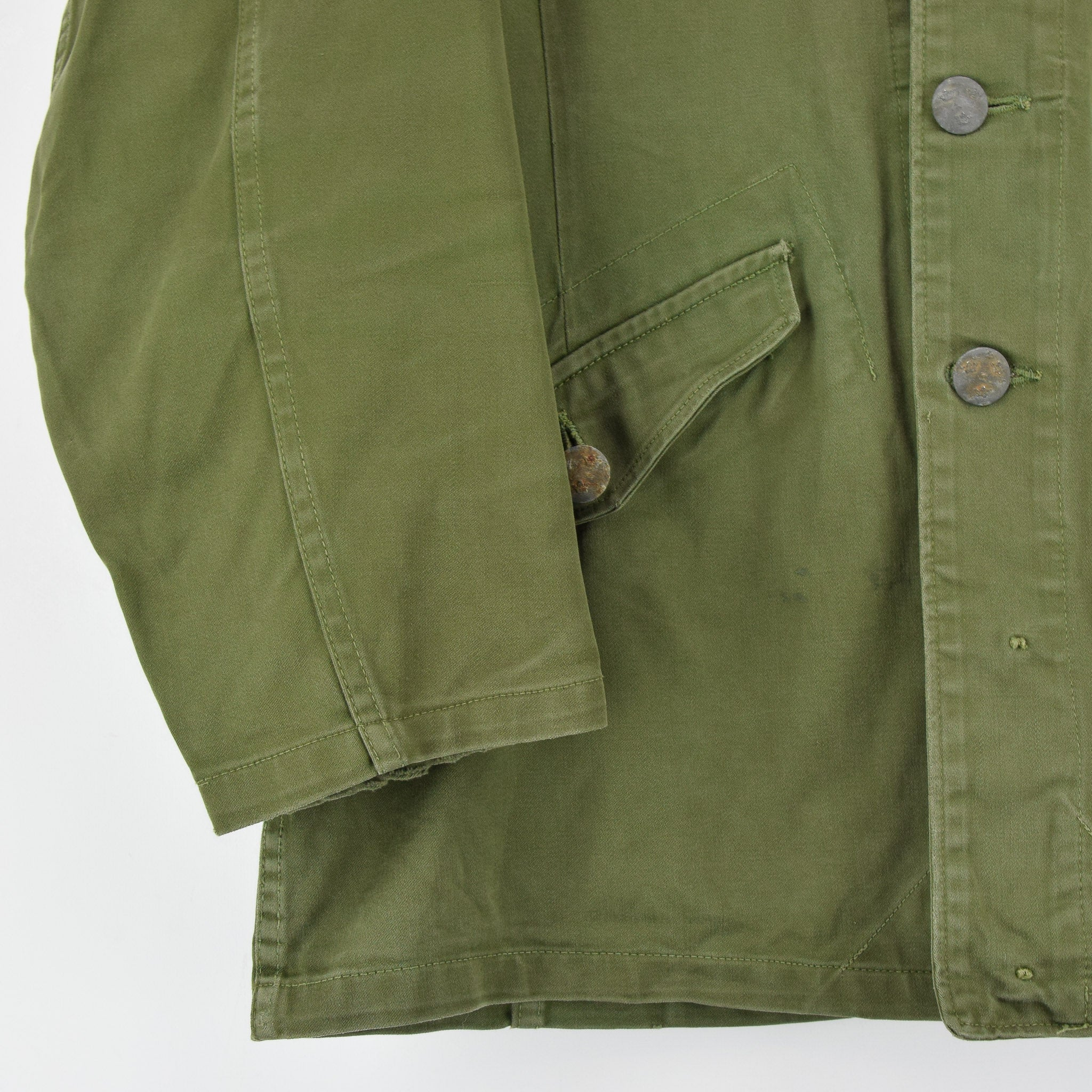 Vintage Well Worn Swedish M59 Field Military Green Worker Style Jacket M / L front hem