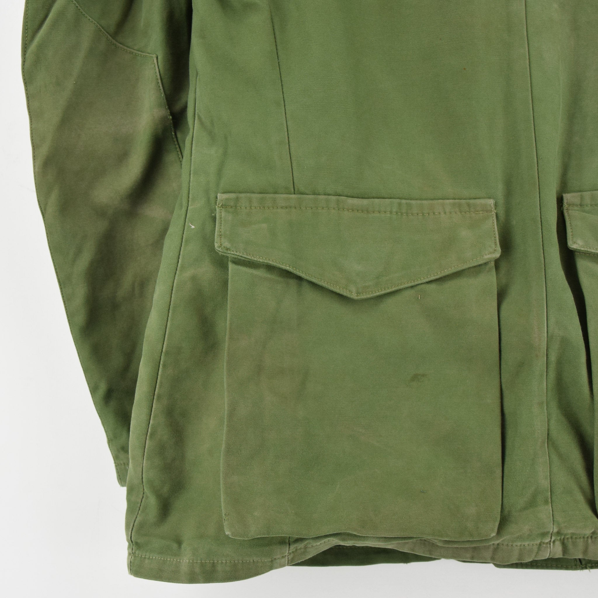 Vintage Well Worn Swedish M59 Field Military Olive Green Worker Style Jacket M back hem