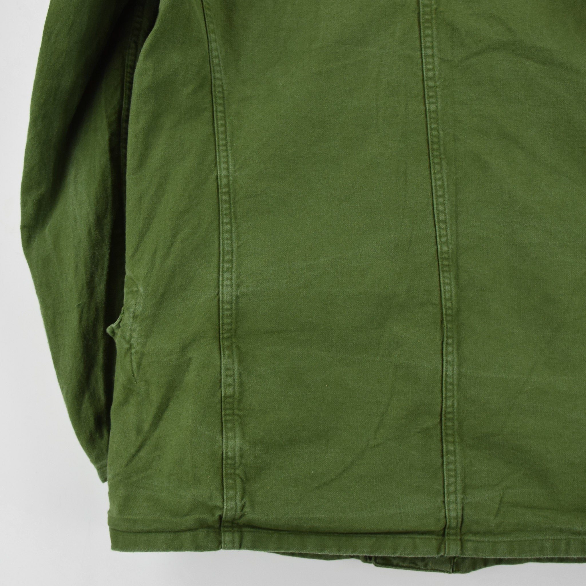 Vintage 60s Swedish Military Field Jacket Worker Style Distressed Green S back hem