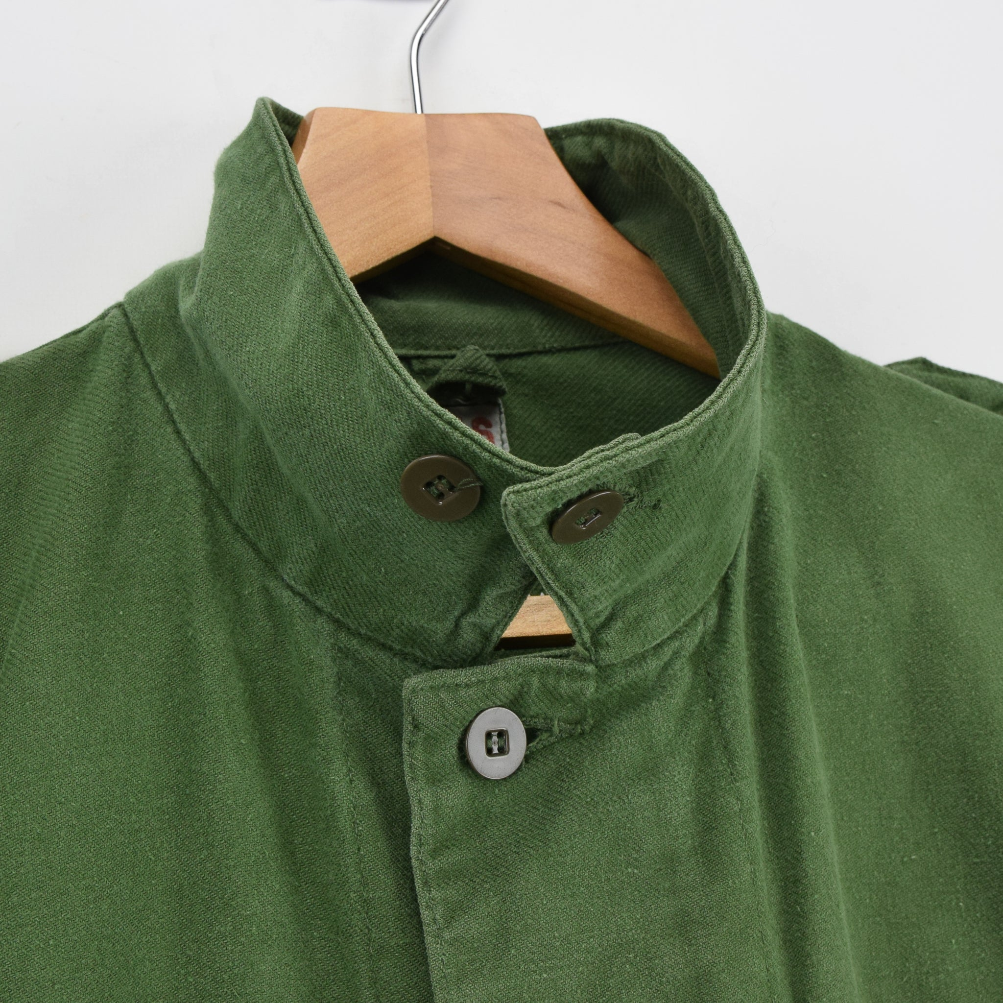 Vintage Swedish Worker Style Distressed Green Military Field Shirt Jacket M collar