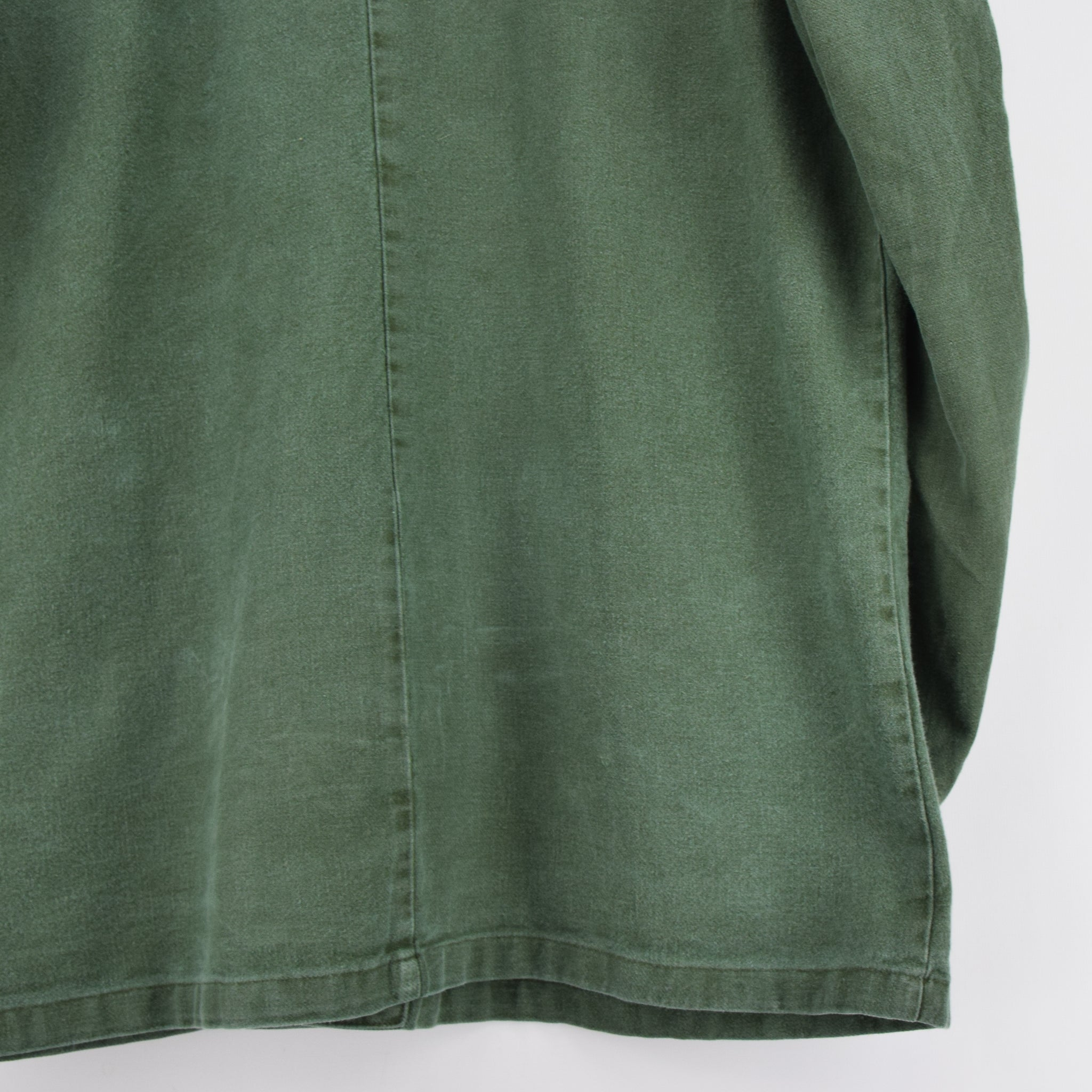 Vintage Swedish Worker Style Green Distressed Military Cotton Field Jacket M / L back hem