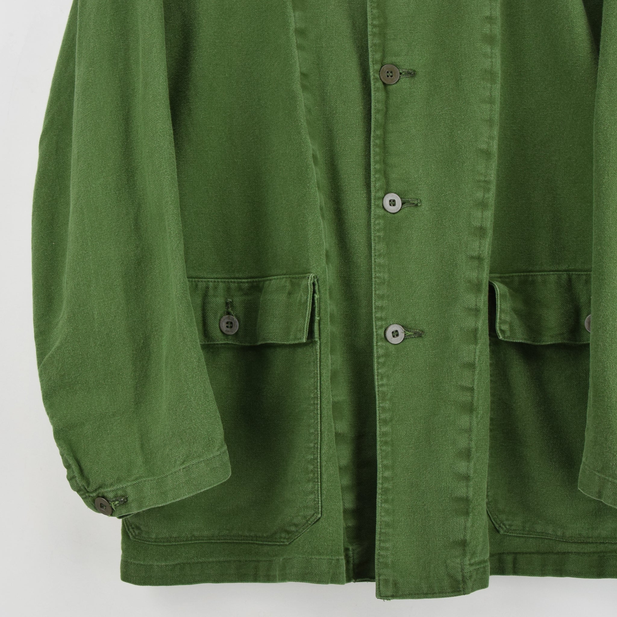 Vintage Swedish Worker Style Distressed Green Military Field Jacket M / L front hem