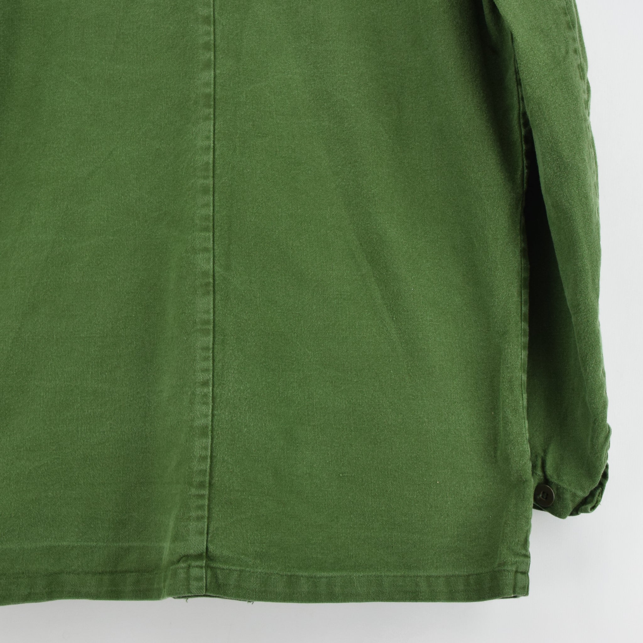 Vintage Swedish Worker Style Distressed Green Military Field Jacket M / L back hem