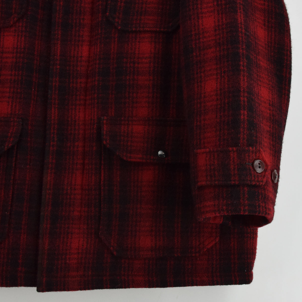Vintage 70s Woolrich Buffalo Plaid Mackinaw Hunting Cruiser Jacket Made in USA L front hem