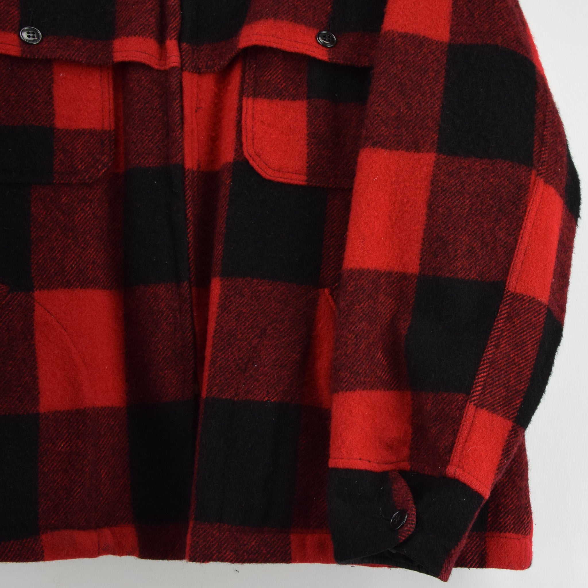 Vintage 70s Woolrich Buffalo Plaid Hunting Mackinaw Shirt Jacket Made in USA XXL front hem