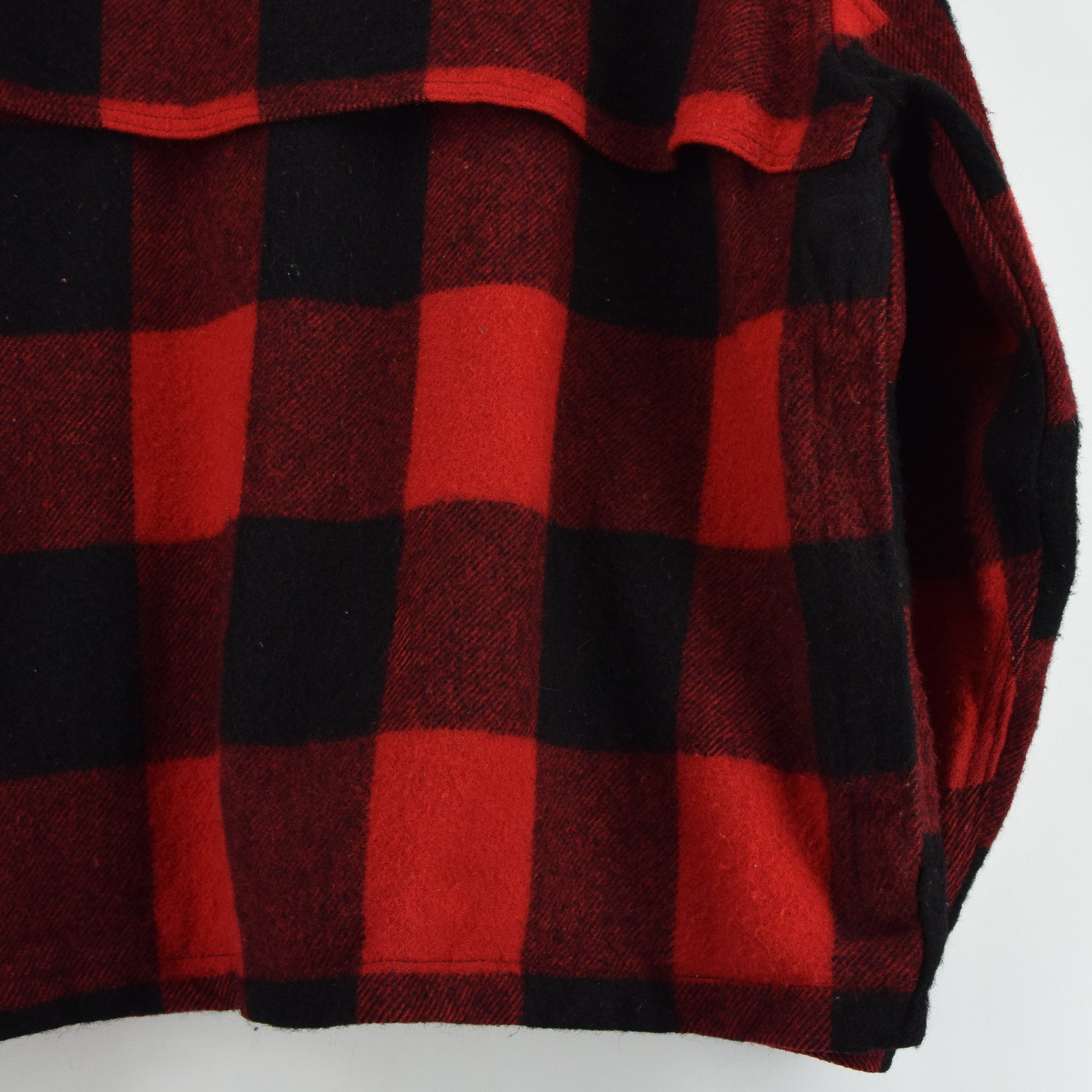 Vintage 70s Woolrich Buffalo Plaid Hunting Mackinaw Shirt Jacket Made in USA XXL back hem