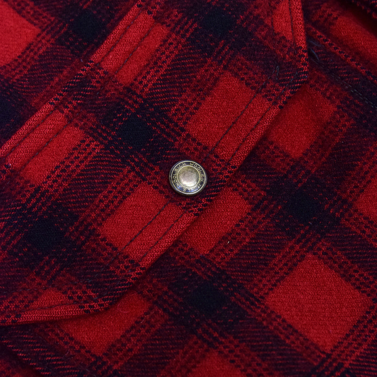 Vintage 70s Woolrich Woolen Mills Buffalo Plaid Mackinaw Hunting Jacket M button detail