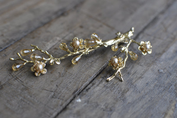 Vintage-Style Gold Branch Hair Decoration For Brides