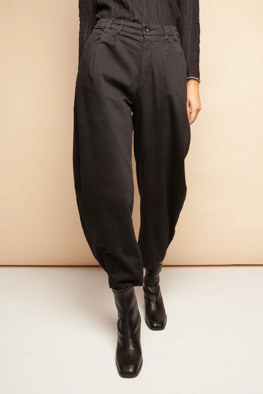 Ayla Trousers By Signe