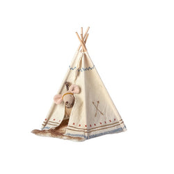 MAILEG LITTLE FEATHER MOUSE WITH TEEPEE - LITTLE SISTER