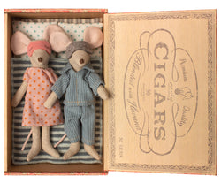 MAILEG MUM AND DAD MOUSE IN CIGARBOX