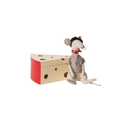 MAILEG RAT IN CHEESE BOX - LIGHT GRAY