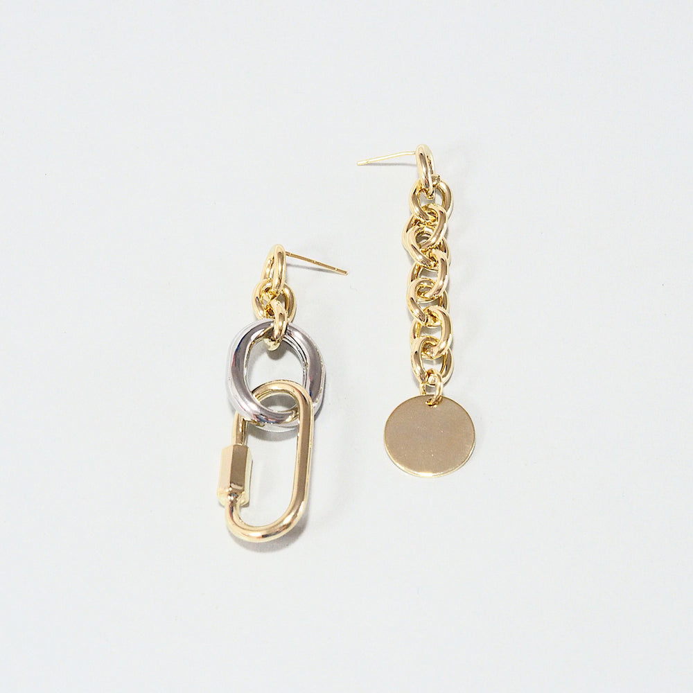 The Mora Asymmetrical Chained Earrings (925 Silver Stud)