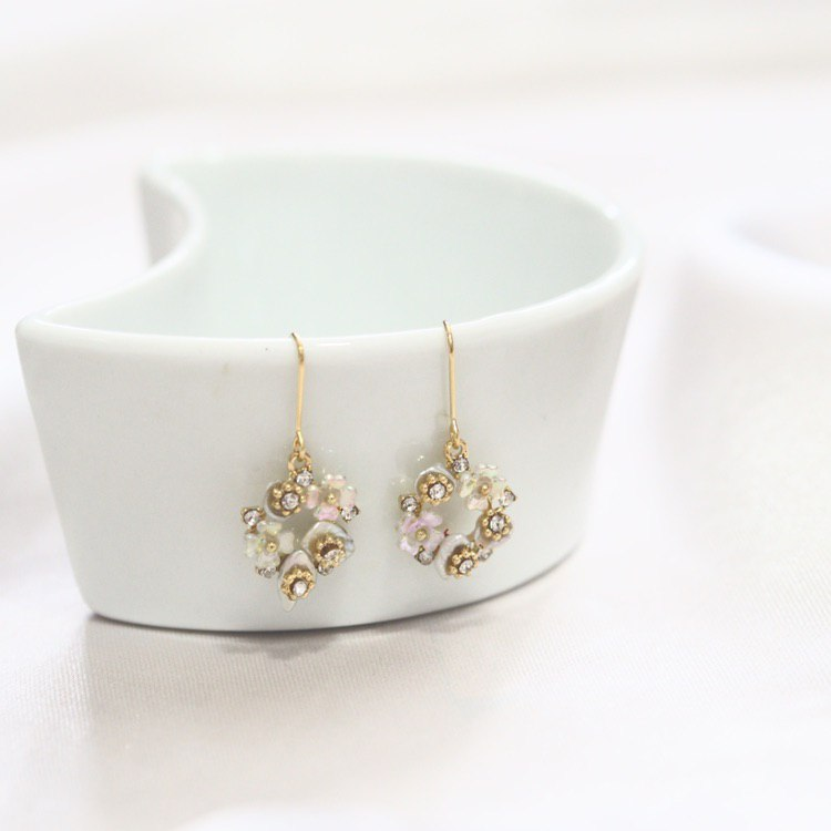 Finley Floral Earrings (925 Silver Stud)