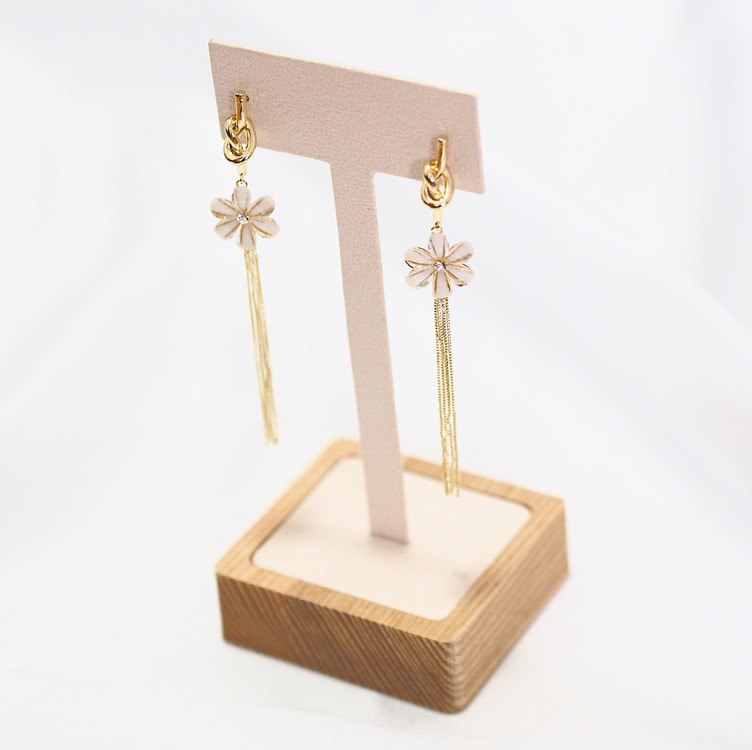 Eillie Floral Earrings (925 Silver Stud)