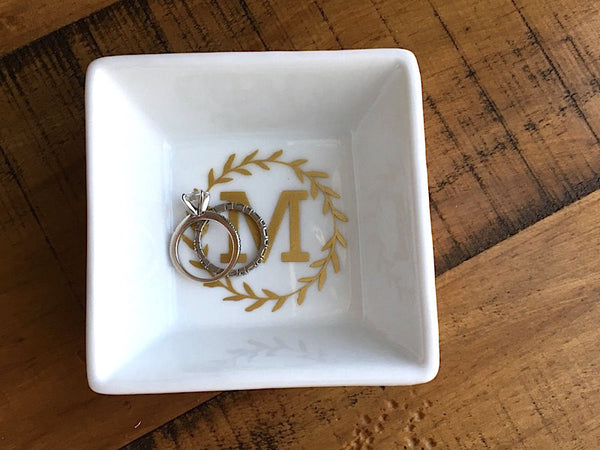 Monogrammed Laurel Ring Dish