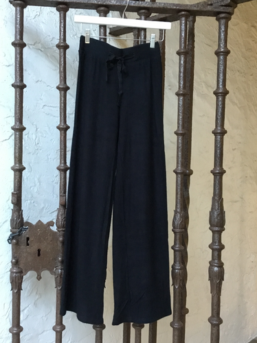 Athloro Flared Pant - Black