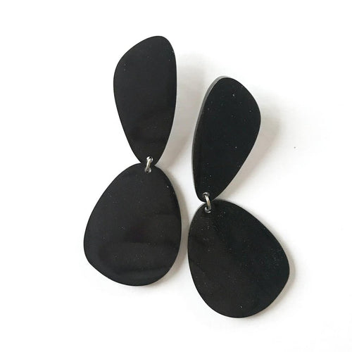 Teardrop Black Earrings