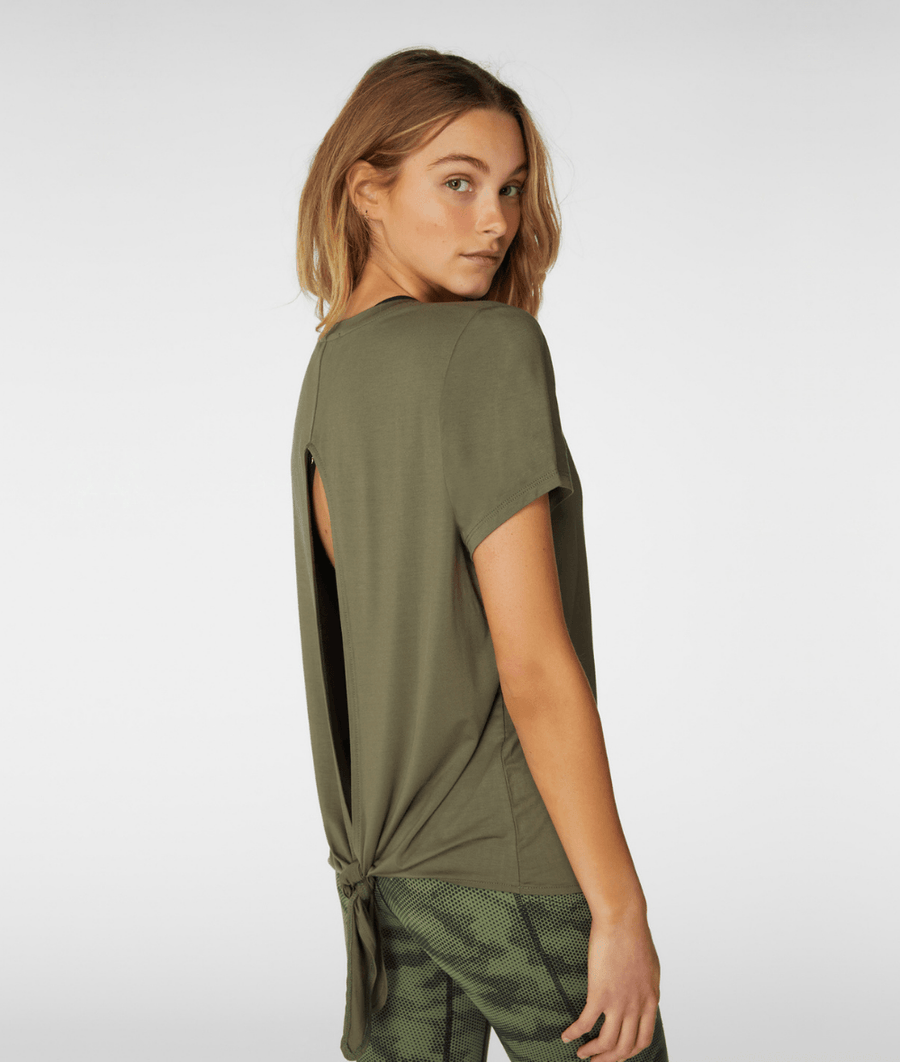 L'URV radient gym tee in khaki. Available in sizes XS-XL from My Gym Wardrobe.