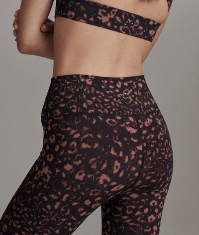 Luna Legging in Red Textured Animal