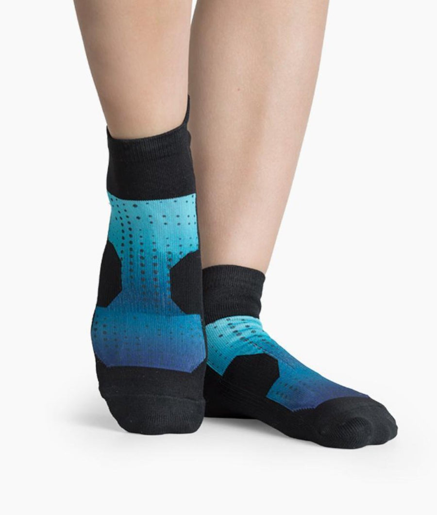 black womens ankle sport socks with blue ombre pattern
