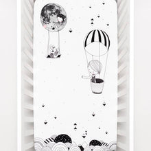 Frieda & The Balloon Crib Sheet