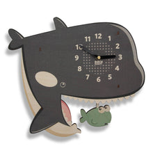Bubbles the Orca Clock