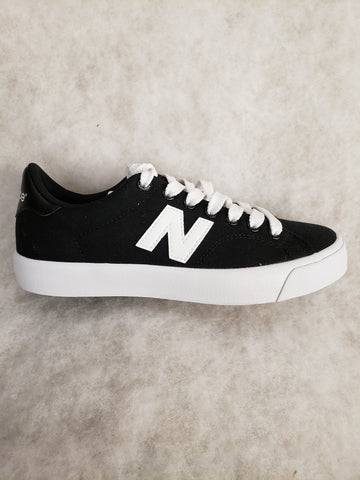 AM210 Low New Balance sneaker