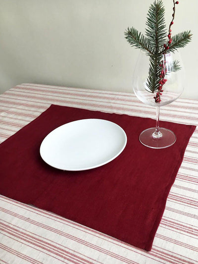 Red Placemats, Linen Placemats, Christmas Placemats, set of linen placemats, holiday placemats, lightweight placemats, cloth placemats