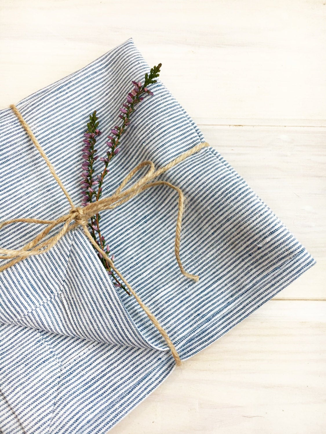Linen Napkins, Set of 8 white and blue striped cloth napkins, cloth napkins, cloth wedding napkins, navy striped napkins by Linenbee