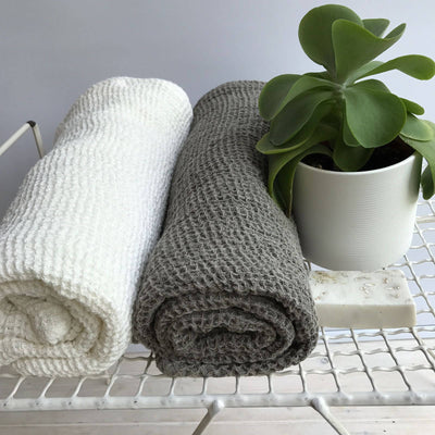 Natural Linen Face Cloths Set of Four, Natural Washcloth Set, Exfoliating Linen Face Cloths, 4 Facecloths Linen washcloths, Beauty Scrub