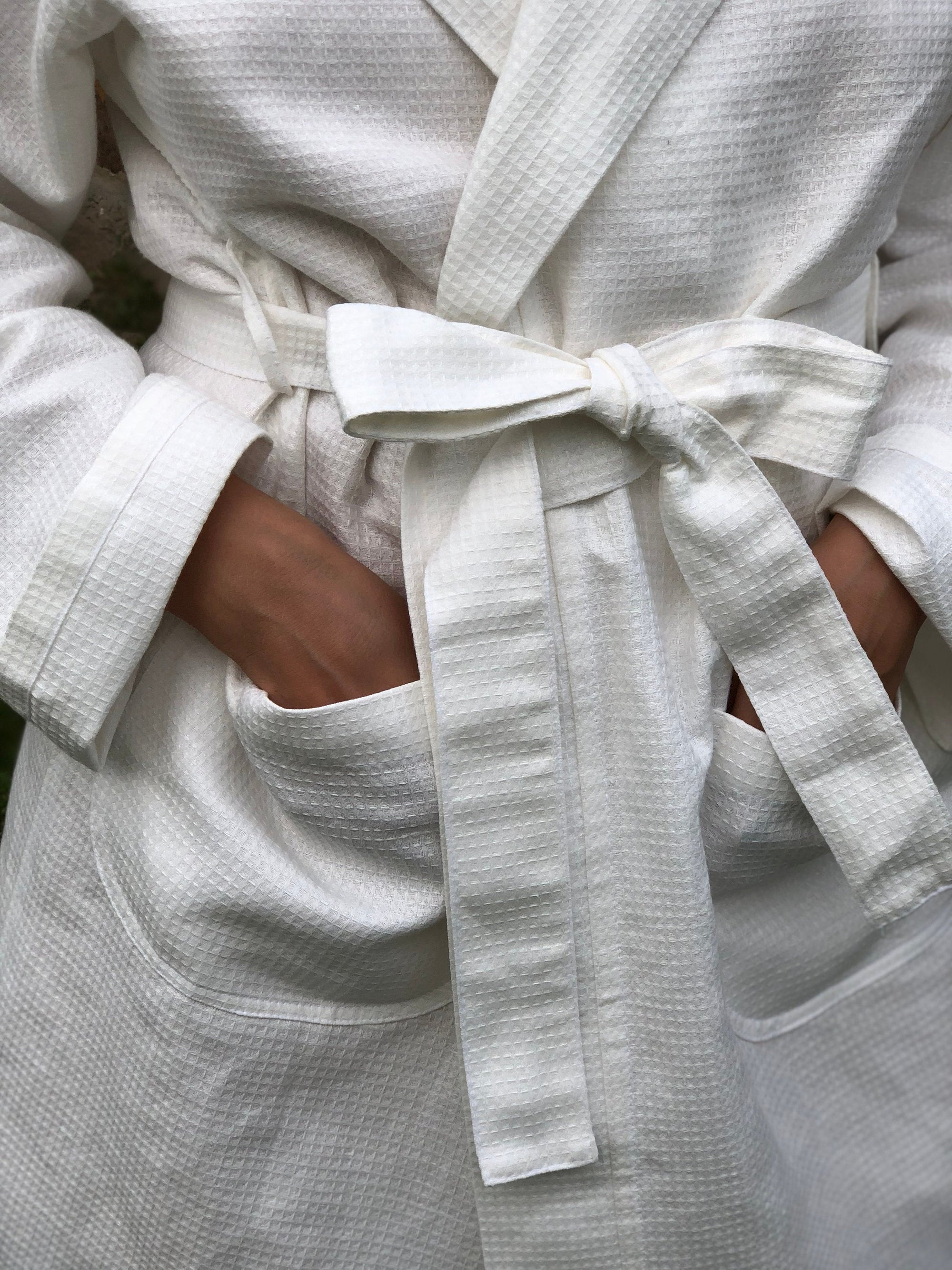 "White Linen robe ""Veronica"", Waffle Robe, Kimono robe, robe coverup, Hooded Robe, linen bath robe, morning dress, women robe"