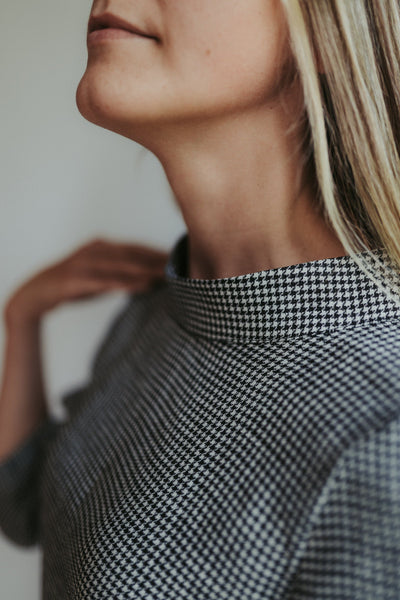 Houndstooth Top with Raised Mock Neck and 3/4 Sleeves 'Caroline'