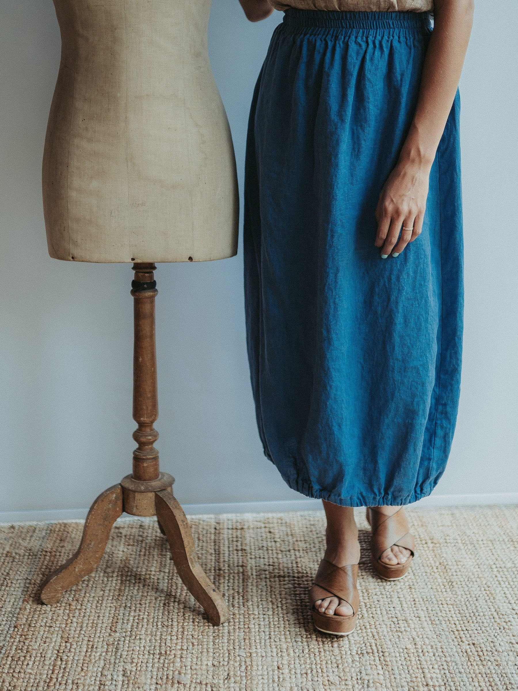 Linen balloon skirt for women, Linen Midi skirt, Womens linen skirt, Maxi skirt boho, Dark blue skirt, Skirt with Pockets, Summer Skirt