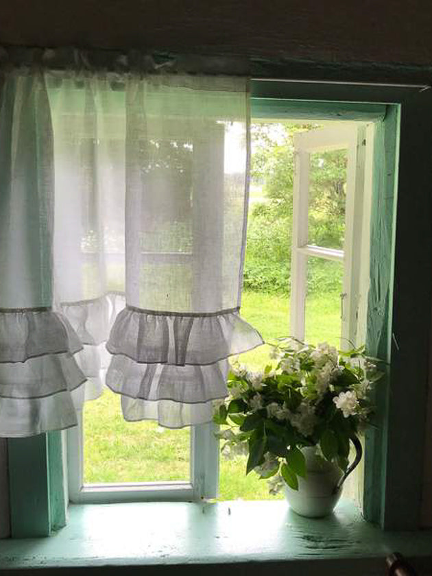 White Linen Curtain with Ruffles, Richly Ruffled Linen Valance