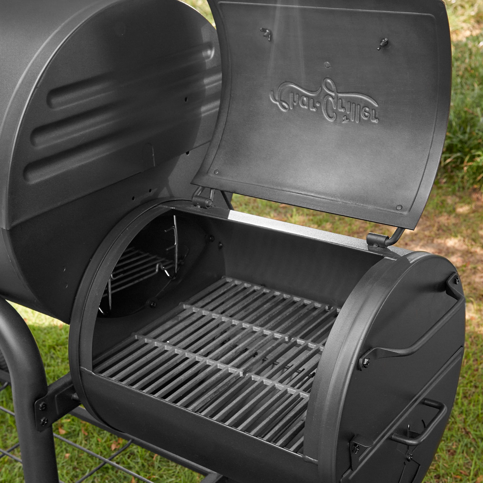 Smokin' Outlaw™ Charcoal Grill | Char-Griller