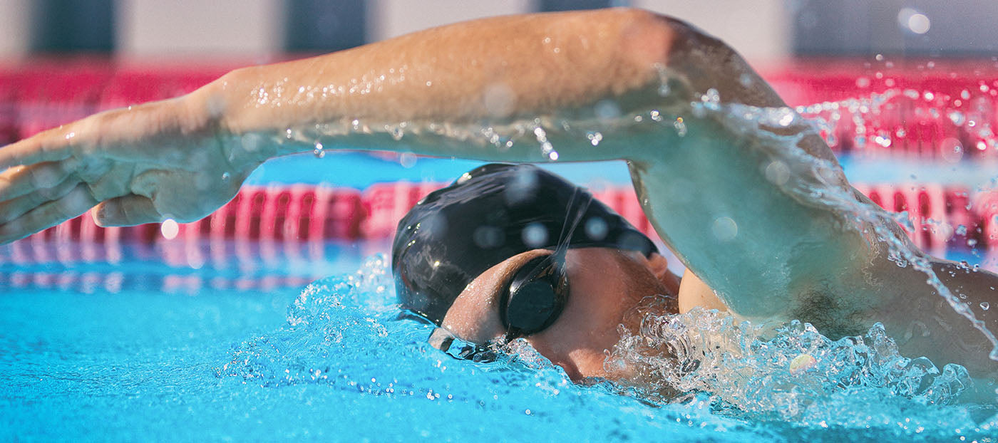 swimmer using correct freestyle arm position