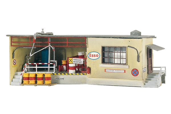 61106 Classic Line Tank Station Office, Building Kit (HO-Scale)