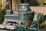 61113 Classic Line Billinger's Co-Op Storage, Building Kit (HO-Scale)